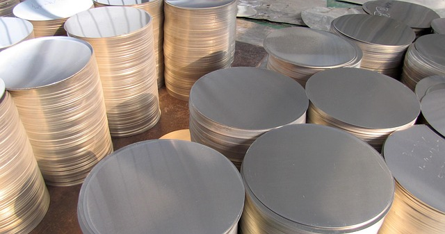Aluminum 2065915 640